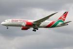 たみぃさんが、ロンドン・ヒースロー空港で撮影したケニア航空 787-8 Dreamlinerの航空フォト(写真)