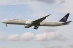 たみぃさんが、ロンドン・ヒースロー空港で撮影したサウディア 777-368/ERの航空フォト(写真)