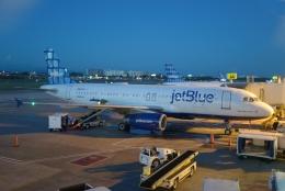FlyHideさんが、ルイス・ムニョス・マリン国際空港で撮影したジェットブルー A320-232の航空フォト(飛行機 写真・画像)