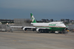 LEGACY-747さんが、台湾桃園国際空港で撮影したエバー航空 747-45Eの航空フォト(飛行機 写真・画像)