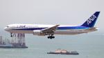 誘喜さんが、香港国際空港で撮影した全日空 767-381/ERの航空フォト(写真)