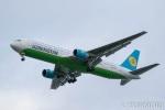 遠森一郎さんが、福岡空港で撮影したウズベキスタン航空 767-33P/ERの航空フォト(写真)