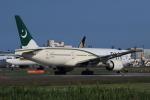 多楽さんが、成田国際空港で撮影したパキスタン国際航空 777-240/ERの航空フォト(写真)