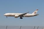 チャッピー・シミズさんが、ロサンゼルス国際空港で撮影したエティハド航空 777-237/LRの航空フォト(写真)