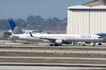 チャッピー・シミズさんが、ロサンゼルス国際空港で撮影したユナイテッド航空 757-33Nの航空フォト(写真)