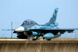 kazuchiyanさんが、築城基地で撮影した航空自衛隊 F-2Bの航空フォト(飛行機 写真・画像)