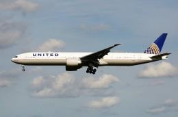 CROWNさんが、成田国際空港で撮影したユナイテッド航空 777-322/ERの航空フォト(写真)