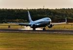 バーダーさんが、新千歳空港で撮影した全日空 737-881の航空フォト(写真)