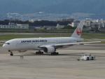 さゆりんごさんが、伊丹空港で撮影した日本航空 777-246の航空フォト(写真)