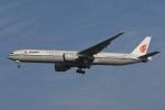 いもや太郎さんが、北京首都国際空港で撮影した中国国際航空 777-39L/ERの航空フォト(写真)