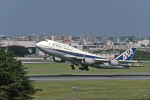Gambardierさんが、伊丹空港で撮影した全日空 747-481(D)の航空フォト(写真)