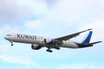 蒲田賢二さんが、ロンドン・ヒースロー空港で撮影したクウェート航空 777-369/ERの航空フォト(写真)