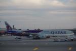 JA8037さんが、ジョン・F・ケネディ国際空港で撮影したカタール航空 777-3DZ/ERの航空フォト(写真)