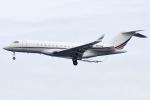 Flankerさんが、羽田空港で撮影したネットジェット・インターナショナル BD-700-1A10 Global 6000の航空フォト(写真)