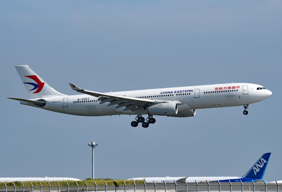 tsubasa0624さんの中国東方航空 Airbus A330-300 (B-5953) 航空フォト