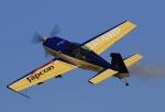 しののめさんが、徳島空港で撮影したWPコンペティション・アエロバティック・チーム EA-300Lの航空フォト(写真)