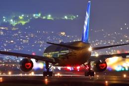 リクパパさんが、伊丹空港で撮影した全日空 777-281/ERの航空フォト(飛行機 写真・画像)