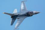 みぐさんが、三沢飛行場で撮影したアメリカ空軍 F-16CM-50-CF Fighting Falconの航空フォト(写真)