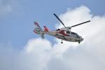 委員会の老人さんが、福岡空港で撮影した福岡市消防局消防航空隊 AS365N2 Dauphin 2の航空フォト(写真)
