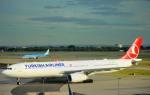 kamerajiijiさんが、ロンドン・ヒースロー空港で撮影したターキッシュ・エアラインズ A330-343Xの航空フォト(写真)