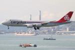 たみぃさんが、香港国際空港で撮影したカーゴルクス 747-8R7F/SCDの航空フォト(写真)