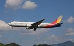 MOHICANさんが、福岡空港で撮影したアシアナ航空 767-38Eの航空フォト(写真)