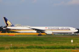 KoshiTomo✈さんが、成田国際空港で撮影したシンガポール航空 777-312/ERの航空フォト(写真)