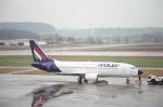 tokadaさんが、チューリッヒ空港で撮影したマレーヴ・ハンガリー航空 737-3Y0の航空フォト(写真)