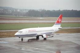 tokadaさんが、チューリッヒ空港で撮影したエア・マルタ 737-2Y5/Advの航空フォト(飛行機 写真・画像)
