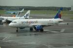 nobu2000さんが、アムステルダム・スキポール国際空港で撮影したスモール・プラネット・エアラインズ・ジャーマニー A320-214の航空フォト(写真)