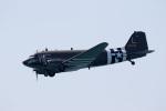 チャッピー・シミズさんが、ロングビーチ空港で撮影したLyon Air Museum C-47A Skytrainの航空フォト(写真)