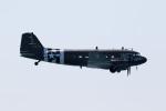 チャッピー・シミズさんが、ロングビーチ空港で撮影したLyon Air Museum C-47B Skytrainの航空フォト(写真)