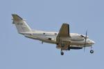 350JMさんが、厚木飛行場で撮影したアメリカ陸軍 C-12U-3 Super King Air (B200C)の航空フォト(写真)