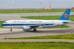 まくろすさんが、関西国際空港で撮影した中国南方航空 A320-214の航空フォト(飛行機 写真・画像)