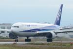 たつぼんさんが、松山空港で撮影した全日空 767-381/ERの航空フォト(写真)