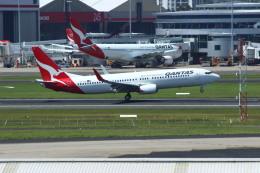 resocha747さんが、シドニー国際空港で撮影したカンタス航空 737-838の航空フォト(飛行機 写真・画像)