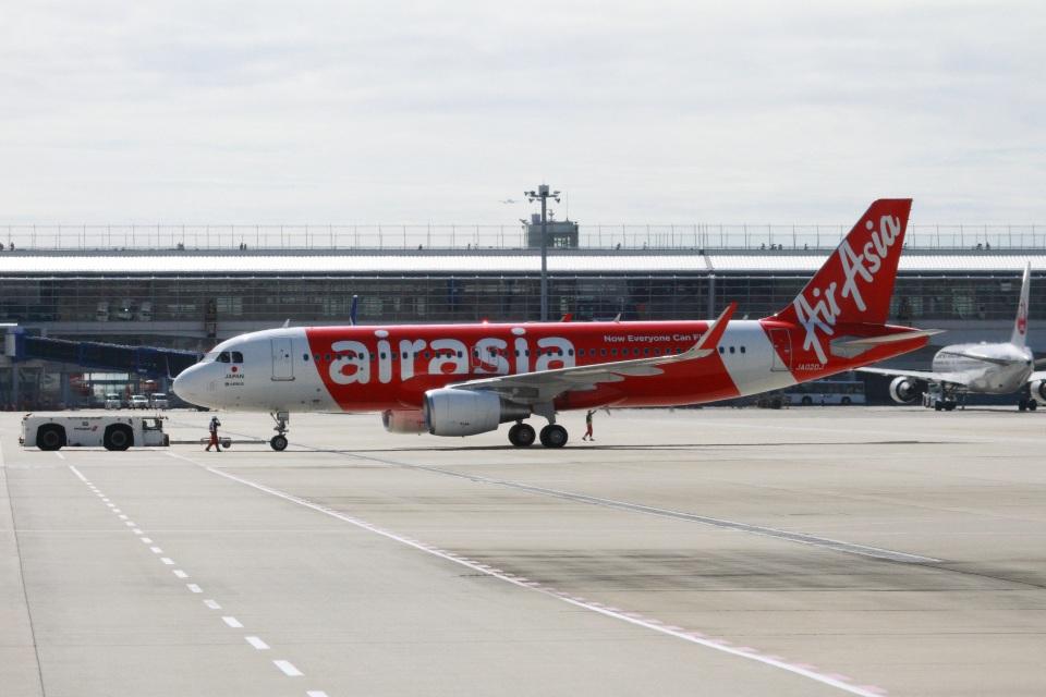 ころちゃんさんのエアアジア・ジャパン Airbus A320 (JA02DJ) 航空フォト