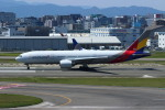 resocha747さんが、福岡空港で撮影したアシアナ航空 777-28E/ERの航空フォト(写真)