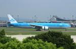 resocha747さんが、台湾桃園国際空港で撮影したKLMオランダ航空 777-306/ERの航空フォト(写真)