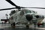 Wasawasa-isaoさんが、三重県四日市市 四日市港 DDH-182 護衛艦いせ で撮影した海上自衛隊 SH-60Kの航空フォト(写真)