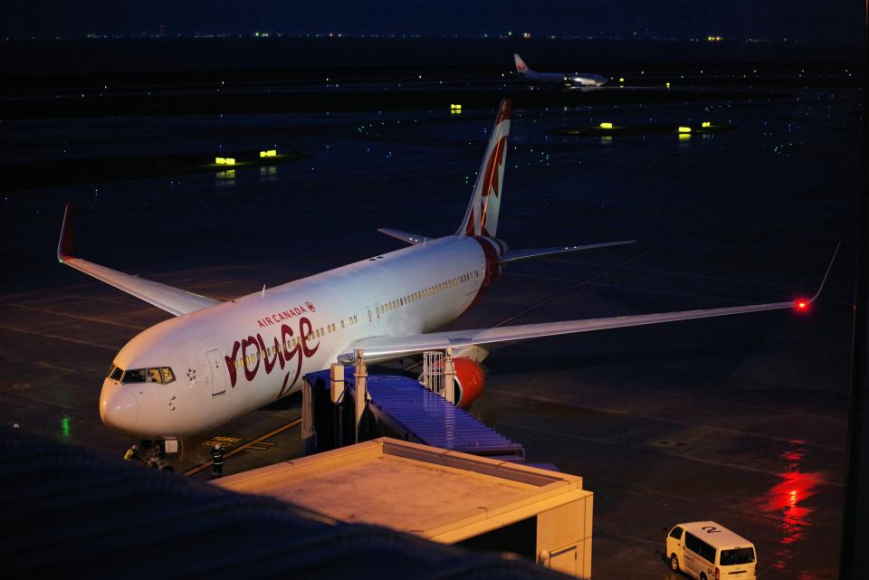 yabyanさんのエア・カナダ・ルージュ Boeing 767-300 (C-FIYA) 航空フォト