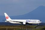 にしやんさんが、釧路空港で撮影した日本航空 767-346の航空フォト(写真)