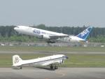 M.Ochiaiさんが、熊本空港で撮影したスーパーコンステレーション飛行協会 DC-3Aの航空フォト(写真)