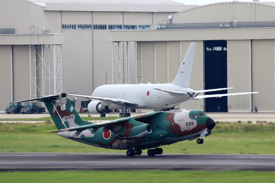T.Sazenさんの航空自衛隊 Kawasaki C-1 (78-1026) 航空フォト