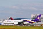 菊池 正人さんが、成田国際空港で撮影したタイ国際航空 777-2D7の航空フォト(写真)