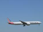 M.Ochiaiさんが、ダラス・フォートワース国際空港で撮影したアメリカン航空 777-323/ERの航空フォト(写真)
