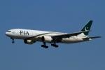 ウッディーさんが、成田国際空港で撮影したパキスタン国際航空 777-240/ERの航空フォト(写真)