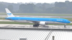 誘喜さんが、シンガポール・チャンギ国際空港で撮影したKLMオランダ航空 777-306/ERの航空フォト(写真)