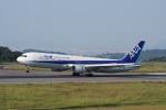 神宮寺ももさんが、高松空港で撮影した全日空 767-381/ERの航空フォト(写真)