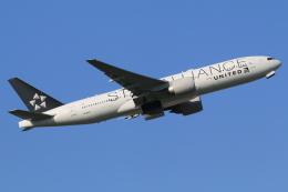 テクノジャンボさんが、成田国際空港で撮影したユナイテッド航空 777-224/ERの航空フォト(写真)